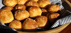 gougeres sticky