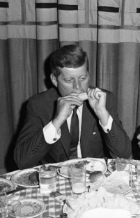 except-for-a-famous-one-showing-him-enjoying-an-ice-cram-one-this-one-of-him-eating-corn-is-perhaps-the-only-other-image-of-john-f-kennedy-with-food-in-his-mouth-e1340377923350