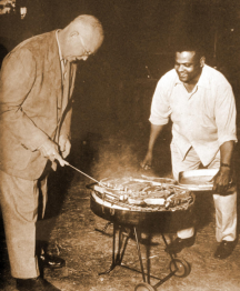 IKE - MOANEY  W IKE GRILLING LG. dwight-eisenhower-john-moaney-barbeque-1-resized-600