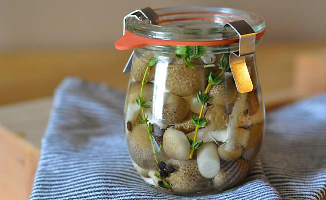 Recipe_Pickled_Mushrooms_HomeMedium