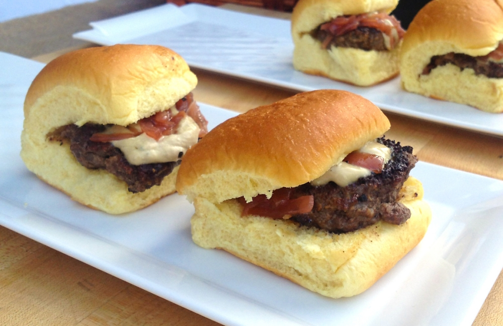 buffalo-sliders-with-foie-gras-recipe.jpg
