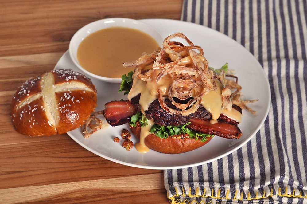 burger-with-beer-cheese-and-bacon-recipe.jpg