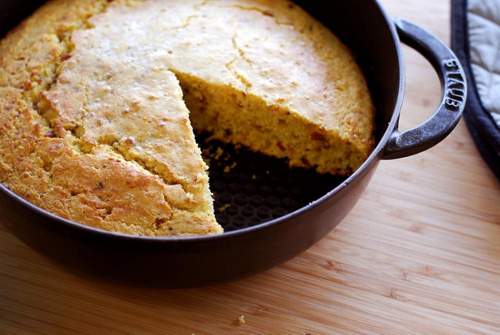 cast-iron-cornbread-with-bacon-recipe