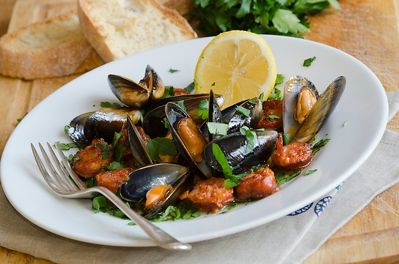 mussels-with-chorizo-and-white-wine-recipe