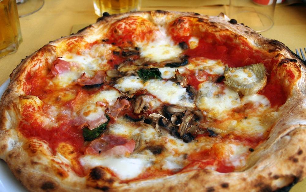 pizza-397942_1920