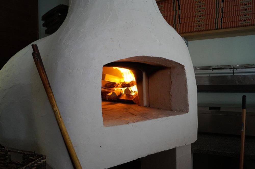 pizza-oven-979519_1920.jpg